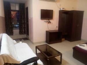Hotel Royal Banjara, Отели  Хайдарабад - big - 1