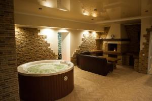 Hotel Santa Maria, Hotely  Mariupol' - big - 54