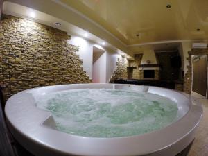 Hotel Santa Maria, Hotely  Mariupol' - big - 52