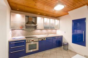 Summer House in Myconos, Prázdninové domy  Glastros - big - 38