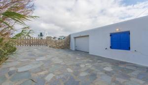 Summer House in Myconos, Prázdninové domy  Glastros - big - 3