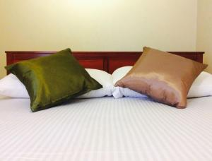 Gregory Lake Inn, Inns  Nuwara Eliya - big - 29