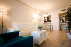 Holidays2Malaga City Beach, Apartments  Málaga - big - 7