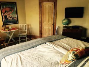 Aberdeen Stone Cottage B&B, Отели типа «постель и завтрак»  Traverse City - big - 7