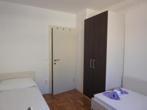 Apartment Igor, Apartments  Makarska - big - 14