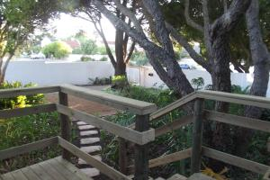 Eastcliff Cottage, Apartmanok  Hermanus - big - 18