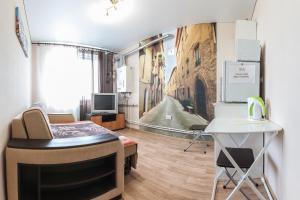 Mikhaylovskiye apartments on Finyutina