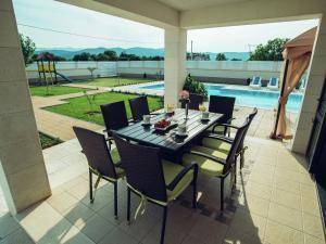 Relax Luxury Villa Near Makarska, Виллы  Donji Proložac - big - 37