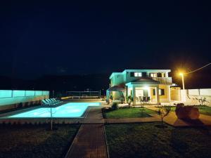 Relax Luxury Villa Near Makarska, Виллы  Donji Proložac - big - 38