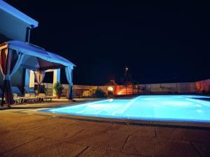 Relax Luxury Villa Near Makarska, Виллы  Donji Proložac - big - 29
