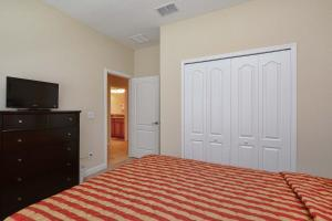 8967 Cat Palm Road Pool Home, Prázdninové domy  Kissimmee - big - 21