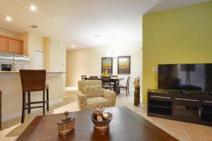 8954 California Palm Rd Pool Home, Дома для отпуска  Киссимми - big - 10