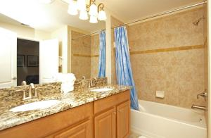 8968 Cat Palm Road Pool Home, Holiday homes  Kissimmee - big - 4