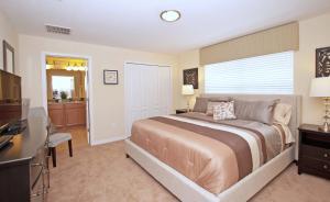 8940 Cuban Palm Road Pool Home, Holiday homes  Kissimmee - big - 3