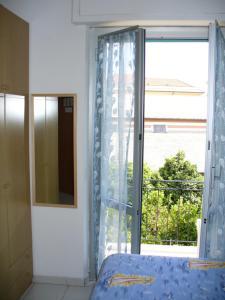 Emejing Soggiorno Al Nido Varazze Pictures - Idee Arredamento Casa ...