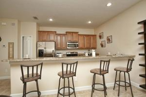 8952 California Palm Road Pool Home, Holiday homes  Kissimmee - big - 21