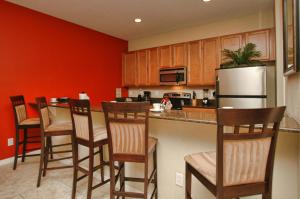 8954 Coco Palm Road Holiday Home, Dovolenkové domy  Kissimmee - big - 9