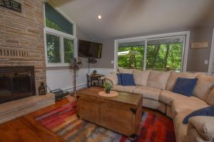 Lakeside Dreamin' Four-Bedroom Holiday Home, Holiday homes  McHenry - big - 31