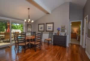 Lakeside Dreamin' Four-Bedroom Holiday Home, Holiday homes  McHenry - big - 13