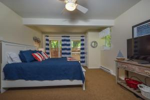 Lakeside Dreamin' Four-Bedroom Holiday Home, Holiday homes  McHenry - big - 30