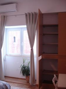 Balcescu Studio, Апартаменты  Бухарест - big - 15