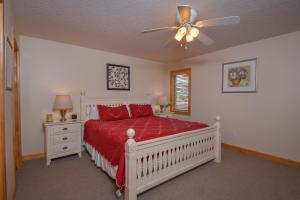 Sunny Boy Four-Bedroom Holiday Home, Nyaralók  McHenry - big - 18