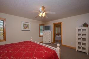 Sunny Boy Four-Bedroom Holiday Home, Nyaralók  McHenry - big - 16