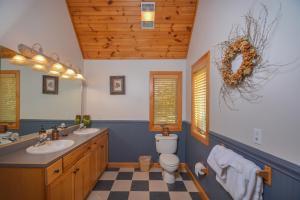 Sunny Boy Four-Bedroom Holiday Home, Nyaralók  McHenry - big - 24