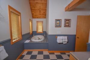 Sunny Boy Four-Bedroom Holiday Home, Nyaralók  McHenry - big - 22