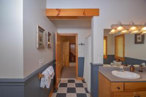 Sunny Boy Four-Bedroom Holiday Home, Nyaralók  McHenry - big - 19