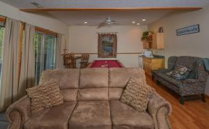 Sunny Boy Four-Bedroom Holiday Home, Holiday homes  McHenry - big - 20