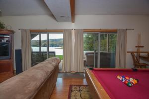 Sunny Boy Four-Bedroom Holiday Home, Nyaralók  McHenry - big - 29