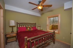 Log Me Inn Five-Bedroom Holiday Home, Дома для отпуска  McHenry - big - 22