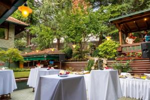 The Hunter's Lodge Kamnik, Hotel  Skopje - big - 11