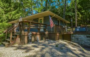 Whispering Oaks Three-Bedroom Holiday Home, Holiday homes  McHenry - big - 19