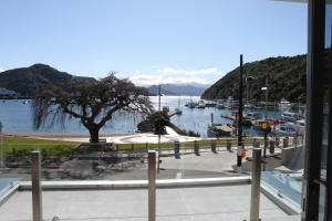Picton Waterfront Oxley's Luxury Apartment
