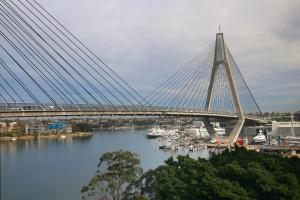 Anzac Bridge views - Sydney at your doorstep
