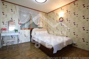 New Jeju pension, Holiday homes  Seogwipo - big - 6