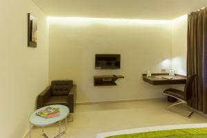 Treebo Grand Premier Suites, Hotels  Bangalore - big - 4
