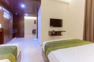 Treebo Grand Premier Suites, Hotels  Bangalore - big - 10