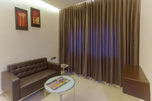 Treebo Grand Premier Suites, Hotels  Bangalore - big - 15