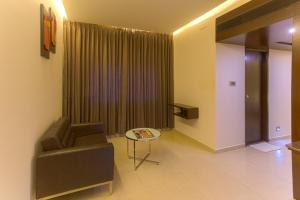Treebo Grand Premier Suites, Hotels  Bangalore - big - 16