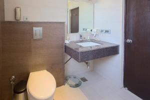 Treebo Grand Premier Suites, Hotels  Bangalore - big - 17