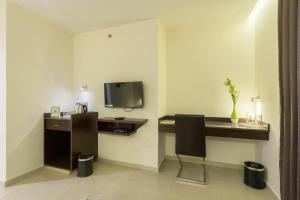 Treebo Grand Premier Suites, Hotely  Bangalore - big - 30