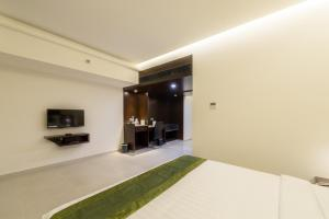 Treebo Grand Premier Suites, Hotels  Bangalore - big - 35