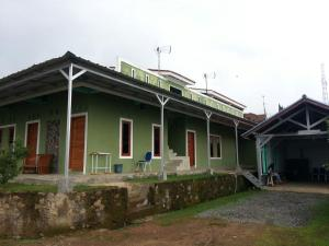 Ciwidey Hills Radhina