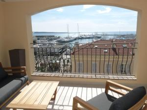 Palais View, Apartmanok  Cannes - big - 24