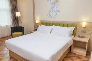 IBIS Styles Nantong Development Zone Shimao Plaza, Hotely  Nantong - big - 5