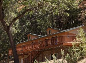 Yosemite Haus, Дома для отпуска  Окхерст - big - 3