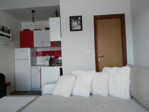 Apartment Mirza - фото 10